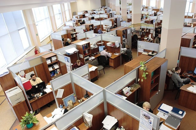 Soundproof a Cubicle [ 9 Best Noise Reduction Ideas for Office]